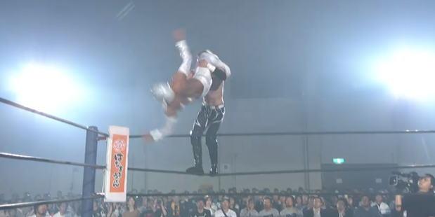 どうしたロスインゴ!BUSHIが優勝候補に2連敗で絶望的状況へ。鷹木は膝を破壊され、内藤哲也は連日のノーコメント。