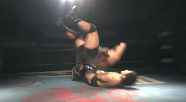 大森北斗を圧殺した羆嵐がTAJIRIに勝利したばかりのジェイク・リーを襲撃