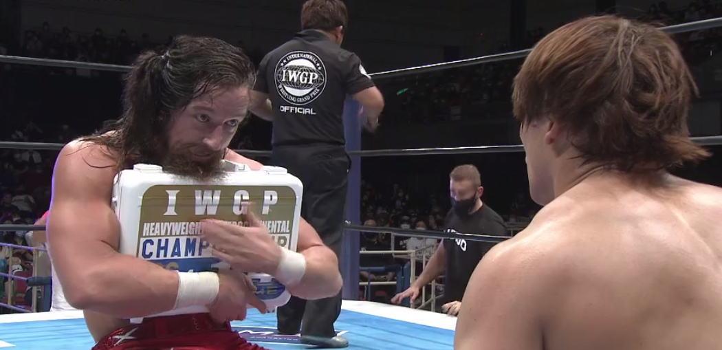 東京ドーム権利書がついに移動!ジェイ・ホワイトが飯伏幸太から勝利